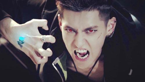 EXO ~ Wolf MV - EXO Ph...