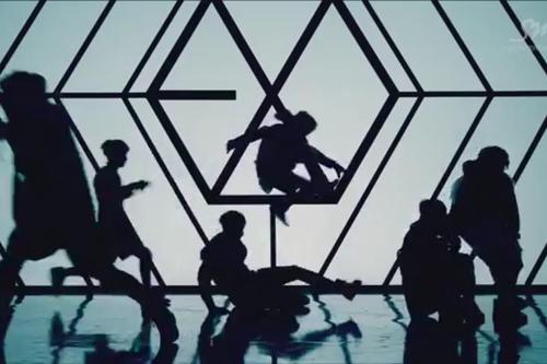 EXO ~ lupo MV