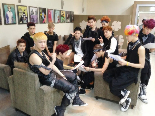EXO at baciare The Radio