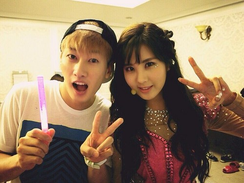 "Eunhyuk Back stage @ SNSD's ""Girls & Peace World Tour"""