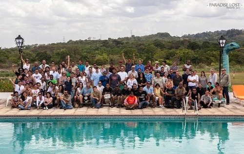 Group photo of the cast & crew of Paradise Lost
