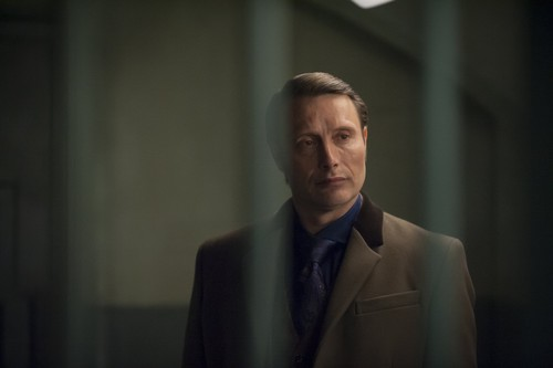 Hannibal TV Series wallpaper with a business suit, a suit, and a three piece suit called Hannibal - Episode 1.13 - Savoureux