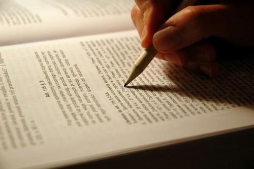 I write my hart-, hart on a paper