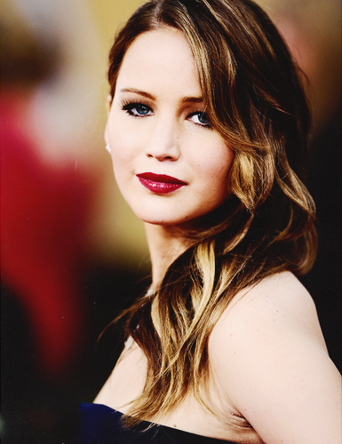 Jennifer Lawrence wallpaper containing a portrait called J <3