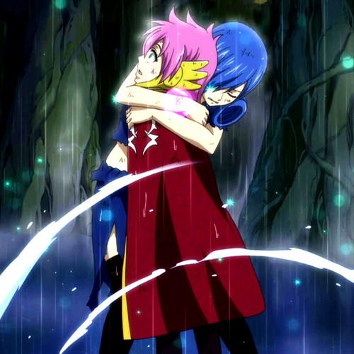 Juvia hugs Meredy ❤