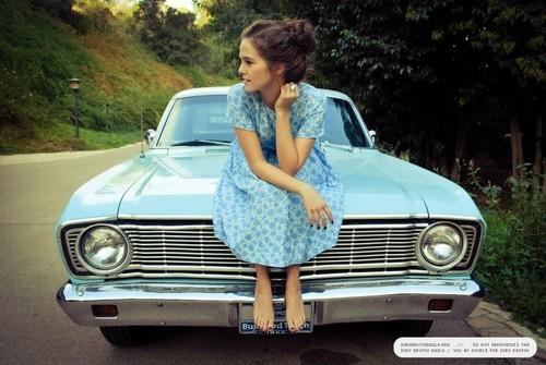 Lauren Desberg 2012 photoshoot