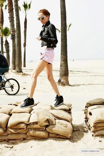 Magazine scans: Teen Vogue (June/July 2013)