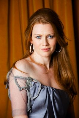mireille enos height weight