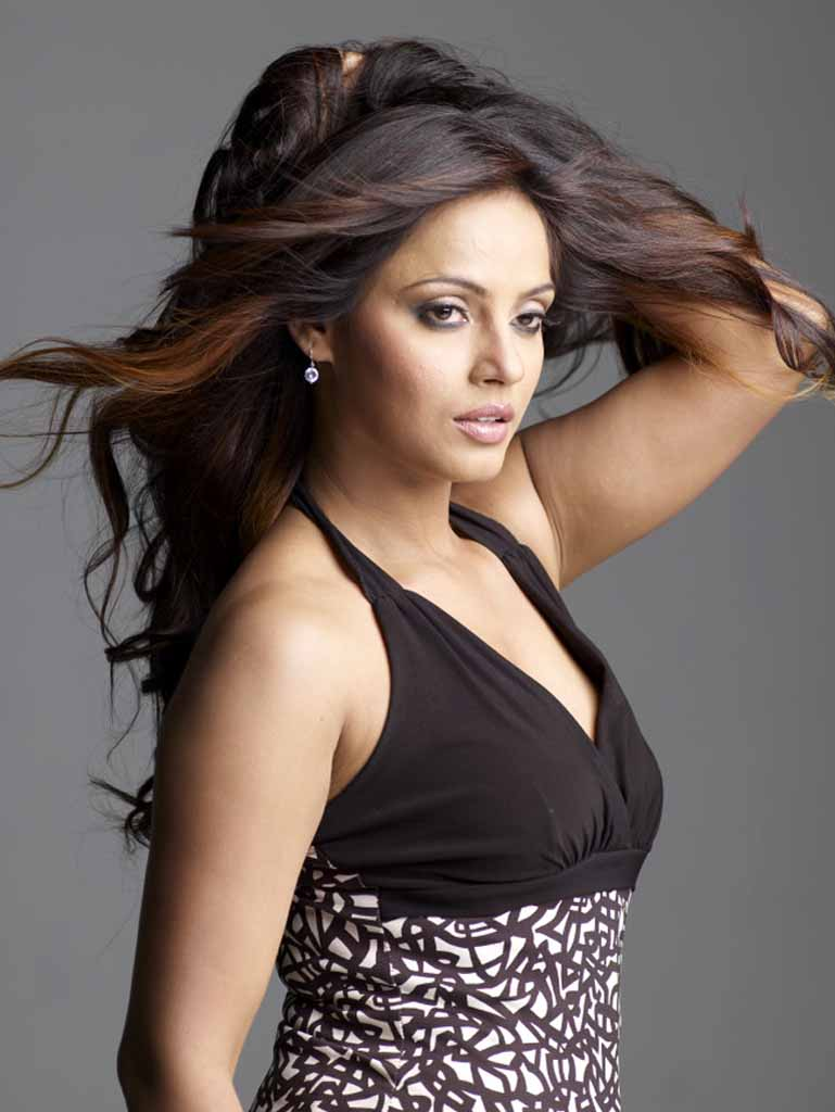 neetu chandra kissneetu chandra interview, neetu chandra theeratha vilayattu pillai, neetu chandra date of birth, neetu chandra wiki, neetu chandra facebook, neetu chandra instagram, neetu chandra hot pics, neetu chandra bikini, neetu chandra hot scene, neetu chandra ragalahari, neetu chandra kiss, neetu chandra height, neetu chandra twitter, neetu chandra hot in black saree