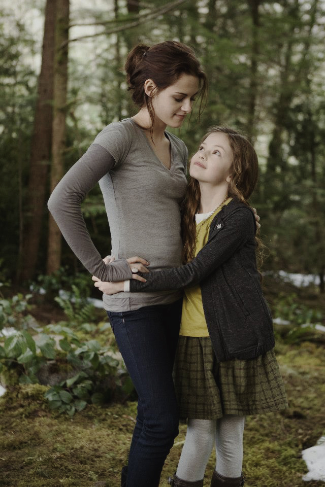 Renesmee Carlie Cullen images Nessie and Bella HD ...