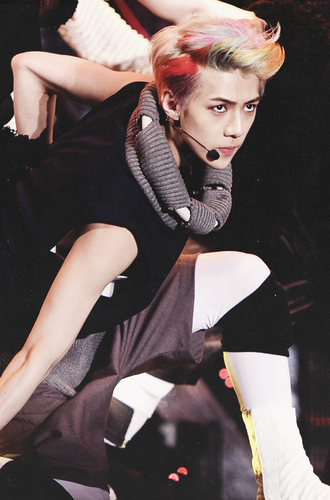 Se Hun kertas dinding possibly containing bare legs, hosiery, and a hip boot called Oh Sehun ~♥