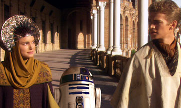 Padmé, R2-D2 & Anakin on Naboo