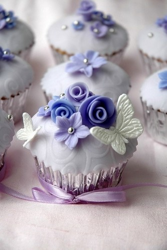 कपकेक वॉलपेपर containing a cupcake, a bouquet, and a rose called Pretty कप केक