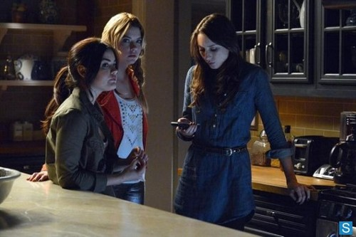 Pretty Little Liars - Episode 4.02 - Turn of the Shoe - Promotional foto
