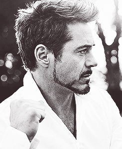 robert downey jr. wallpaper probably containing a konser called Robert Downy Jr.