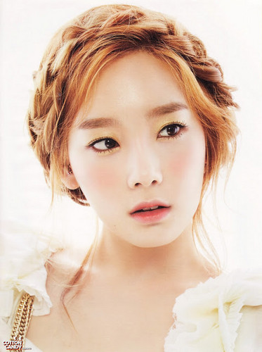 "TaeYeon!!~♡♡♡ ""High Cut"" magazine"