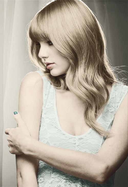 Taylor (facebook photos) - Taylor Swift Photo (34695245) - Fanpop