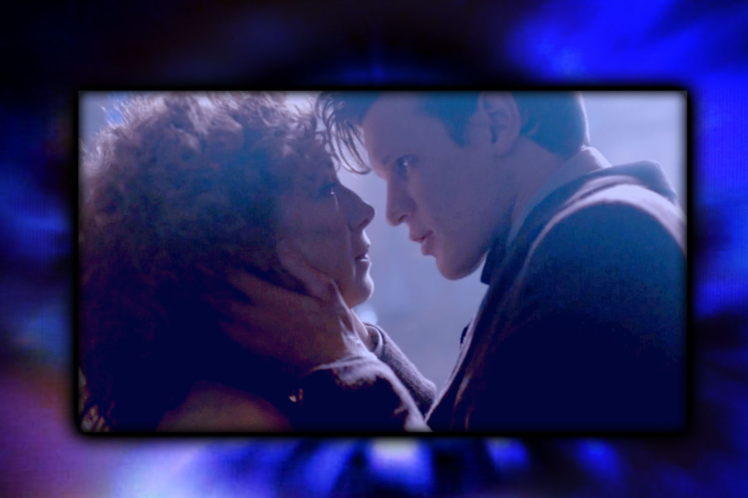 The Doctor and River snogfest