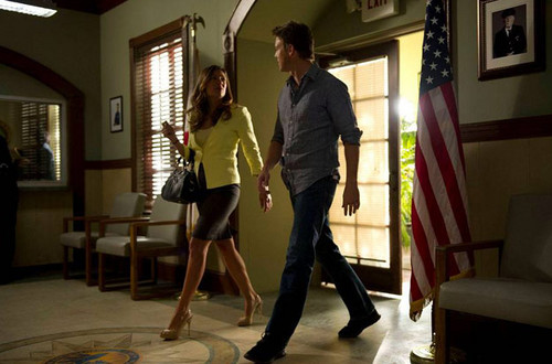 The Glades wallpaper probably containing a hip boot titled The Glades// 4x02 Shot Girls