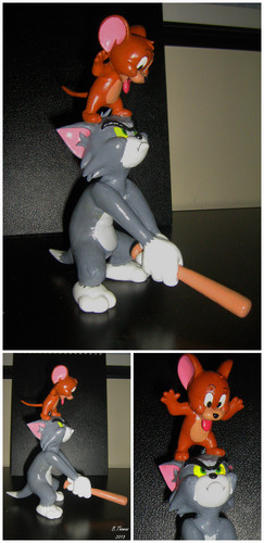 Tom and Jerry Sculpture