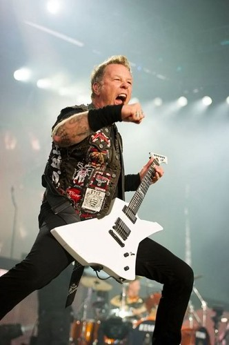 James Hetfield fond d'écran with a guitarist and a concert called james