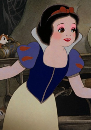 snow white's old-timer's look