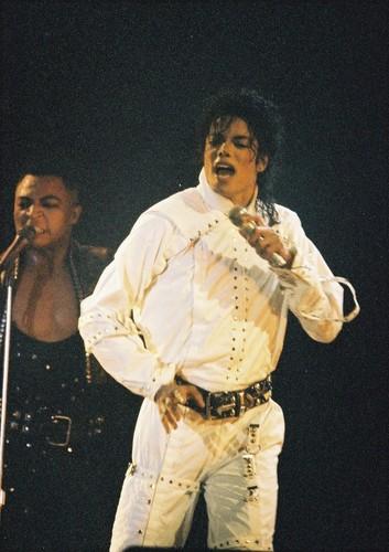 마이클 잭슨 바탕화면 probably containing a 음악회, 콘서트 called Майкл