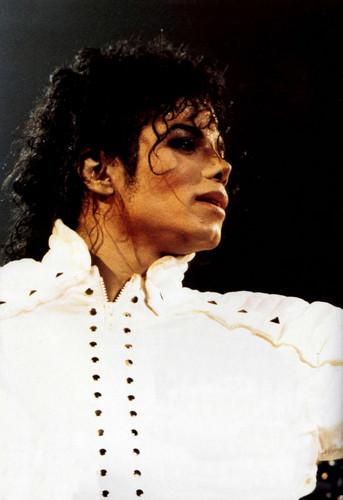 마이클 잭슨 바탕화면 entitled Майкл