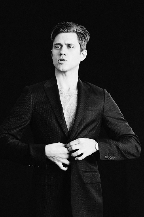 Aaron Tveit images Aaron Tveit, Mr. Porter photoshoot HD ...