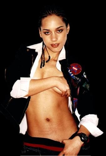 Alicia Keys wallpaper possibly with hot pants titled Alicia Keys