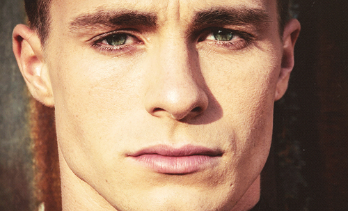 Colton Haynes wallpaper possibly with a portrait titled Colton Haynes♥