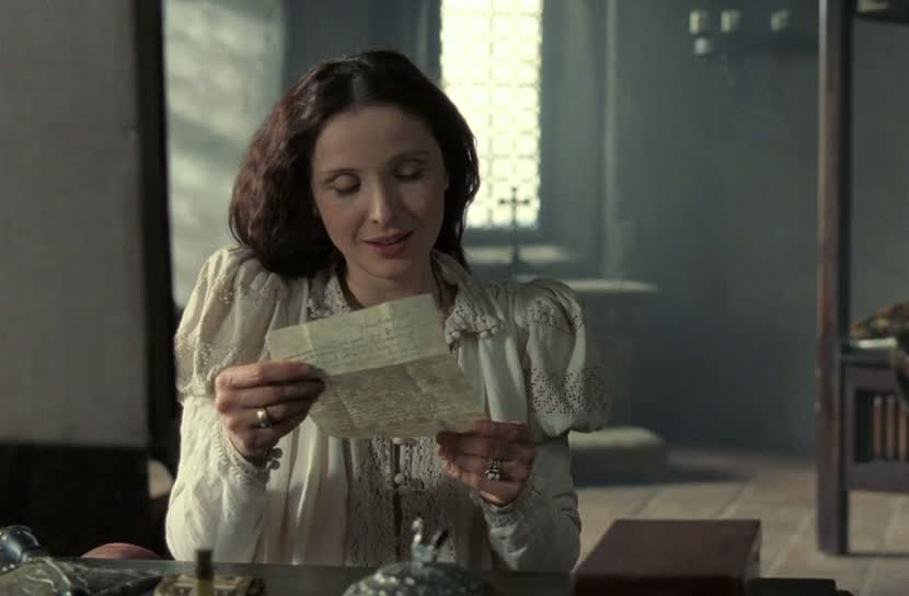 Elizabeth reads a letter