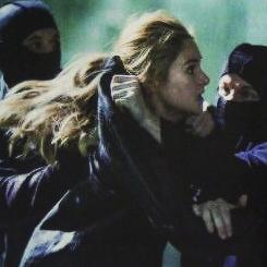 Exclusive Divergent Movie Stills from Entertainment Weekly Magazine