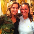 Hilarie avec une fan! - hilarie-burton photo