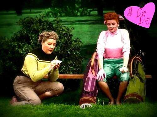 I 爱情 Lucy 壁纸