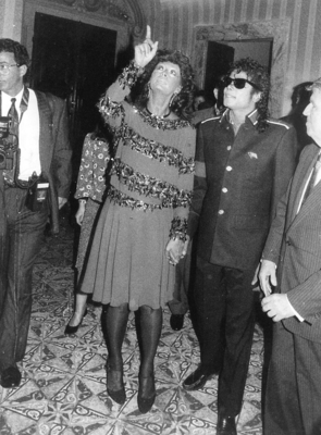 Michael And Sophia Loren At A Party The American Embassy Back In 1988