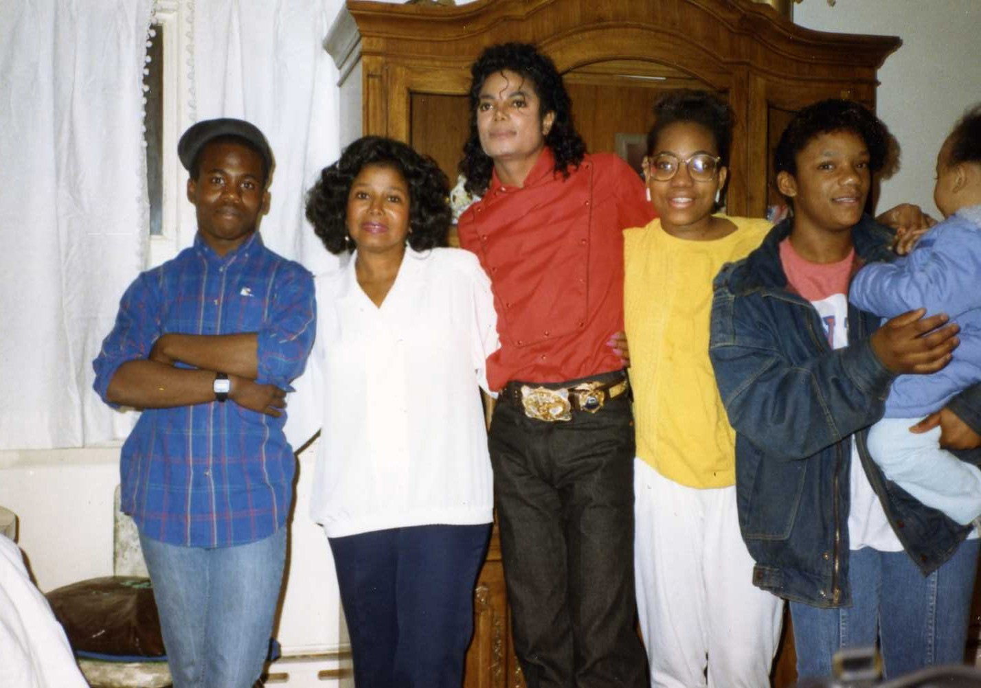 Michael With Family And फ्रेंड्स