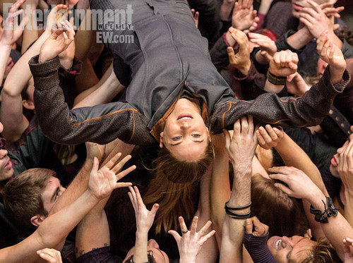 New Divergent stills from Entertainment Weekly