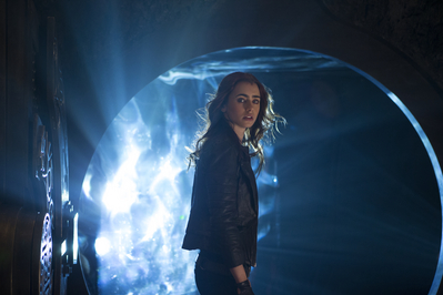 "New ""The Mortal Instruments: City of Bones"" Movie Stills [Lily as Clary Fray]"