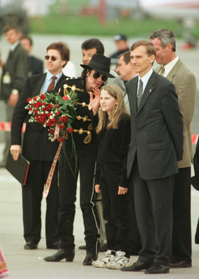 Michael Jackson Hintergrund containing a business suit, a dress suit, and a suit called On Tour In Poland Back In 1996