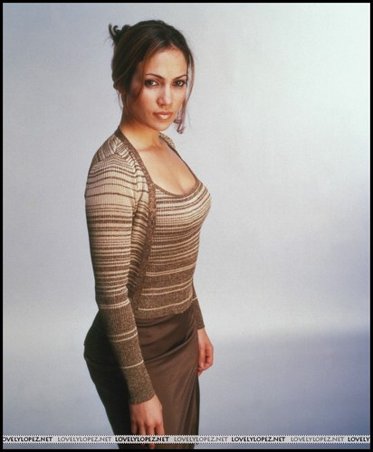 Jennifer Lopez wallpaper probably with a pullover entitled Out of sight [1998]