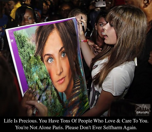 Paris Jackson Signature Selfharm Surprised (@ParisPic)
