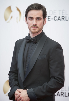Colin O'Donoghue kertas dinding with a business suit, a suit, and a well dressed person called Rawak