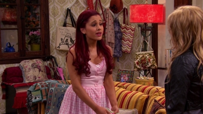Ariana Grande karatasi la kupamba ukuta probably with a drawing room, a living room, and a drawing room titled Sam&Cat Season 1 Episode Captures 01.Pilot