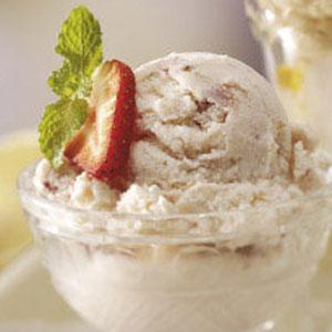 aardbei Cheesecake Ice-Cream