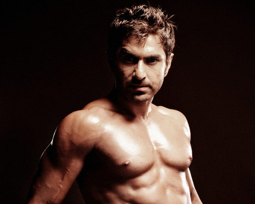 Bollywood wallpaper with a hunk entitled TOLLYWOOD ACTOR JEET SHIRTLESS