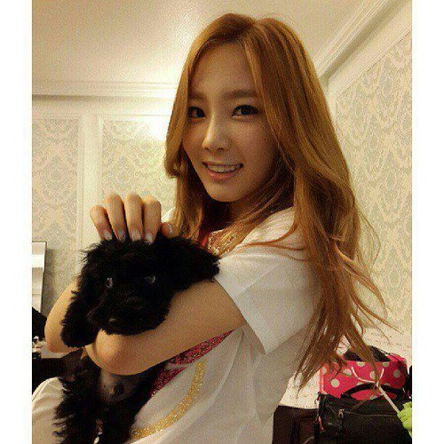 Taeyeon with her dog <333~