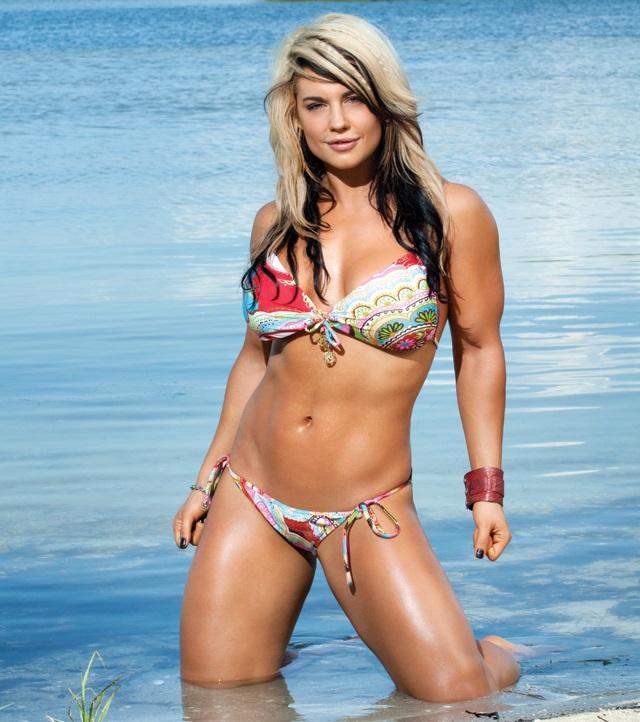 Wwe diva kaitlyn bikini
