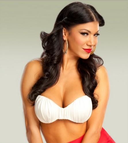 The Divas of Summer: Rosa Mendes