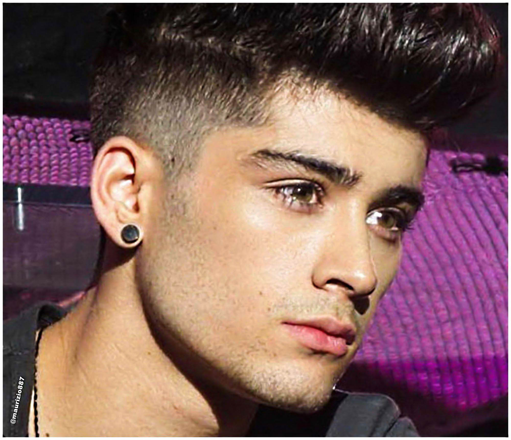 http://images6.fanpop.com/image/photos/34700000/Zayn-malik-2013-one-direction-34733362-2000-1721.jpg